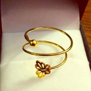 Jewelry - 18k yellow gold ring